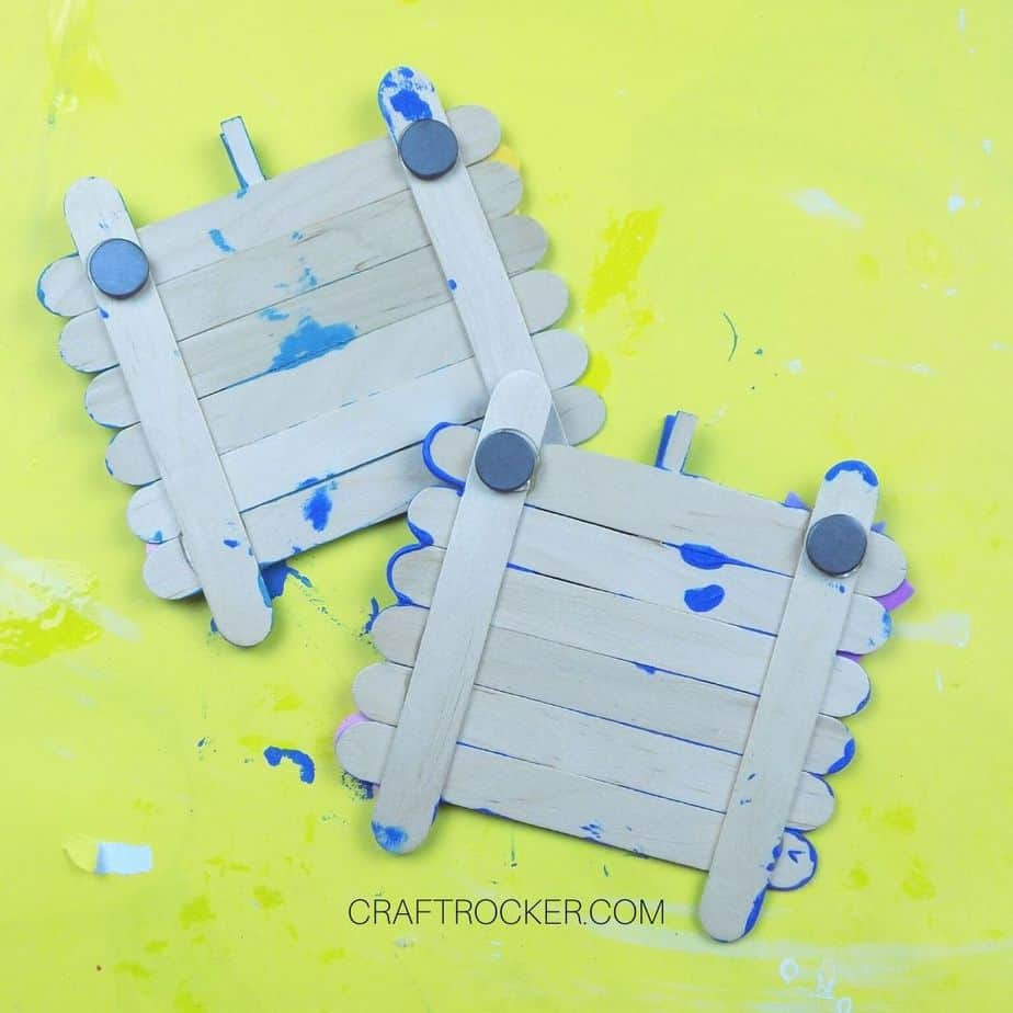 Magnets Glued to Back of Craft Stick Photo Frames - Craft Rocker