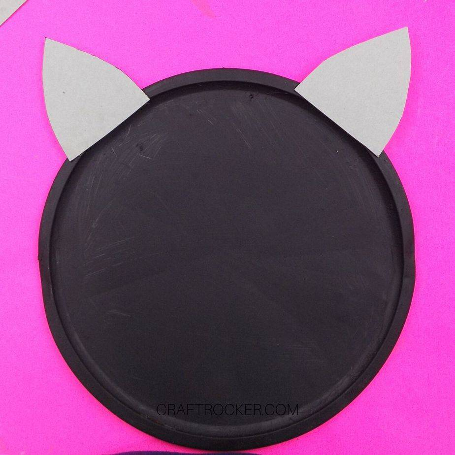 Cardboard Ears Glued to Top Black Pizza Pan - Craft Rocker