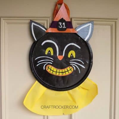 Vintage Halloween Pizza Pan Wreath