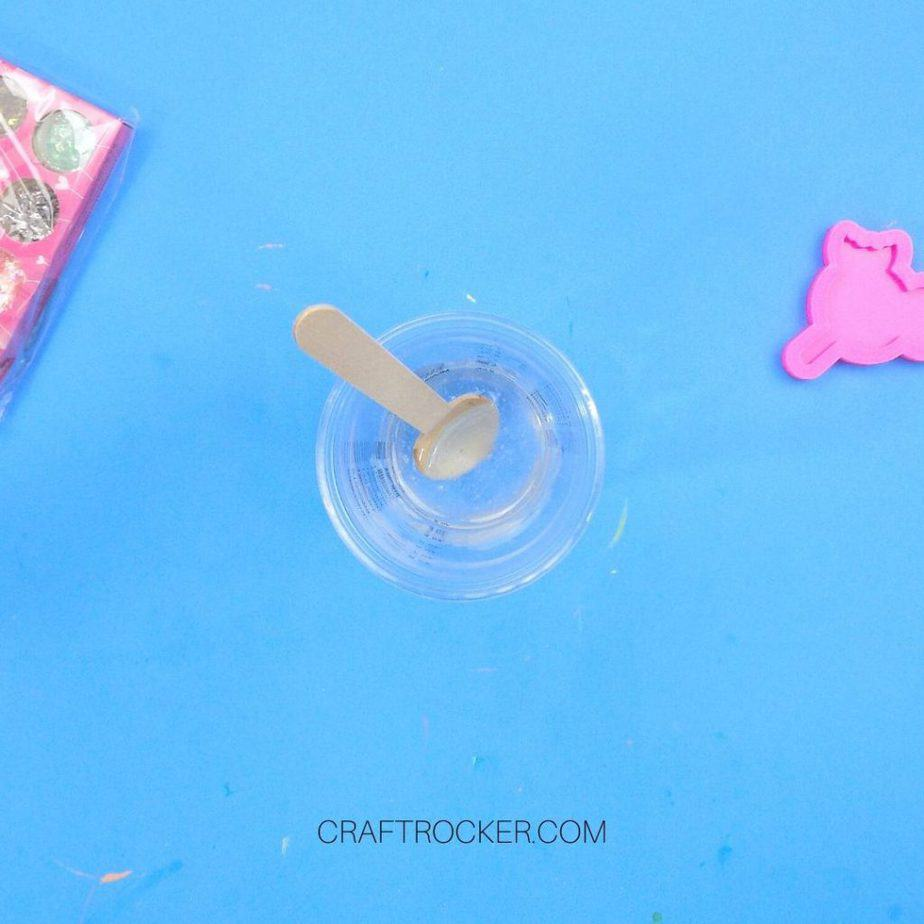 Casting Resin Mixed in Clear Measuring Cup - Craft Rocker