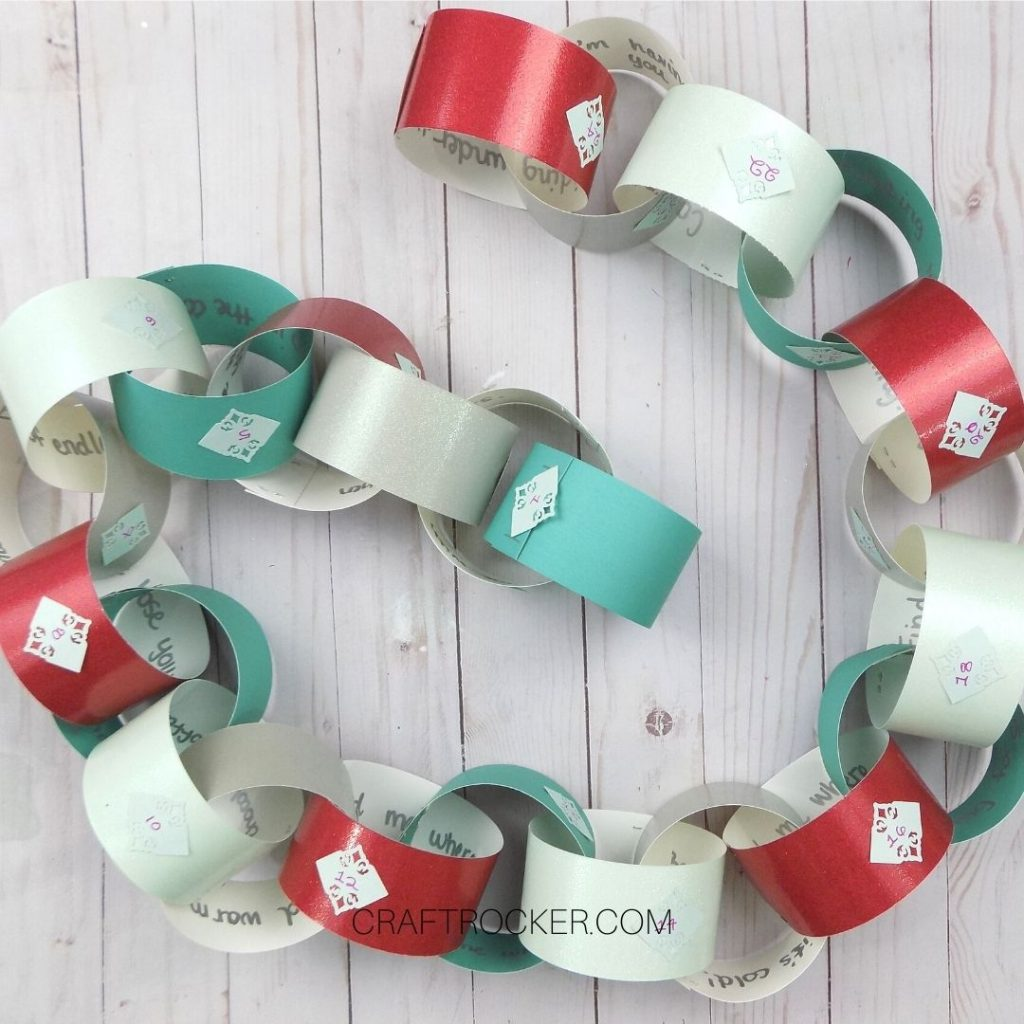 Christmas Paper Chain on Wood Background - Craft Rocker