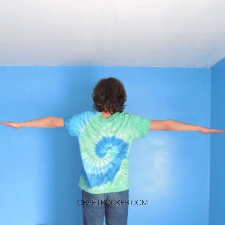 Kid Standing With Arms Outstretched - Craft Rocker