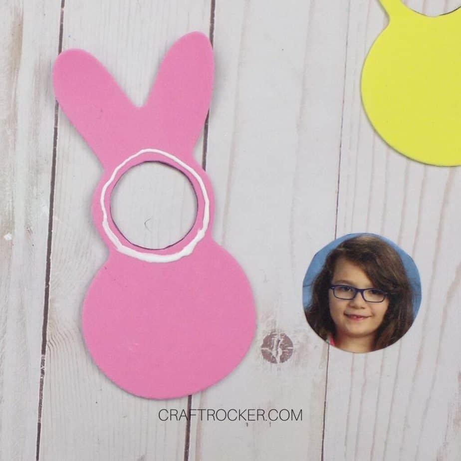 Glue Around Circle Hole in Foam Bunny - Craft Rocker