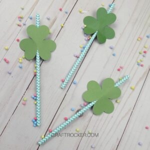 Paper Straws with Shamrock Straw Toppers - Craft Rocker