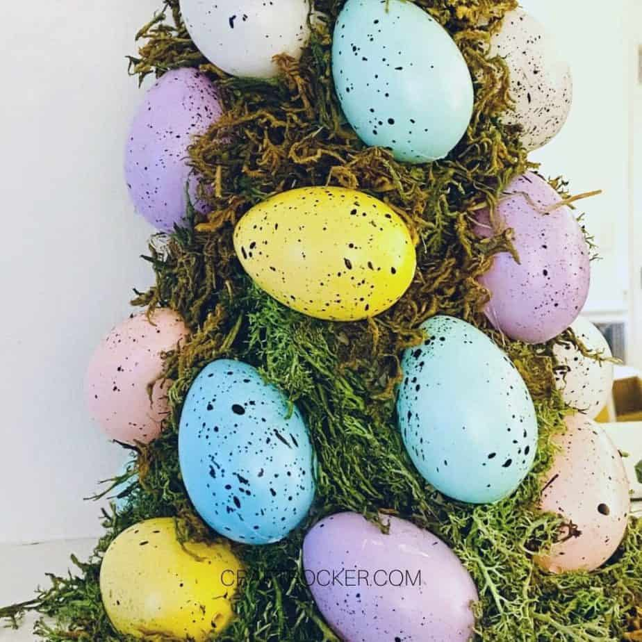 Close up of Bottom of Easter Egg Topiary - Craft Rocker