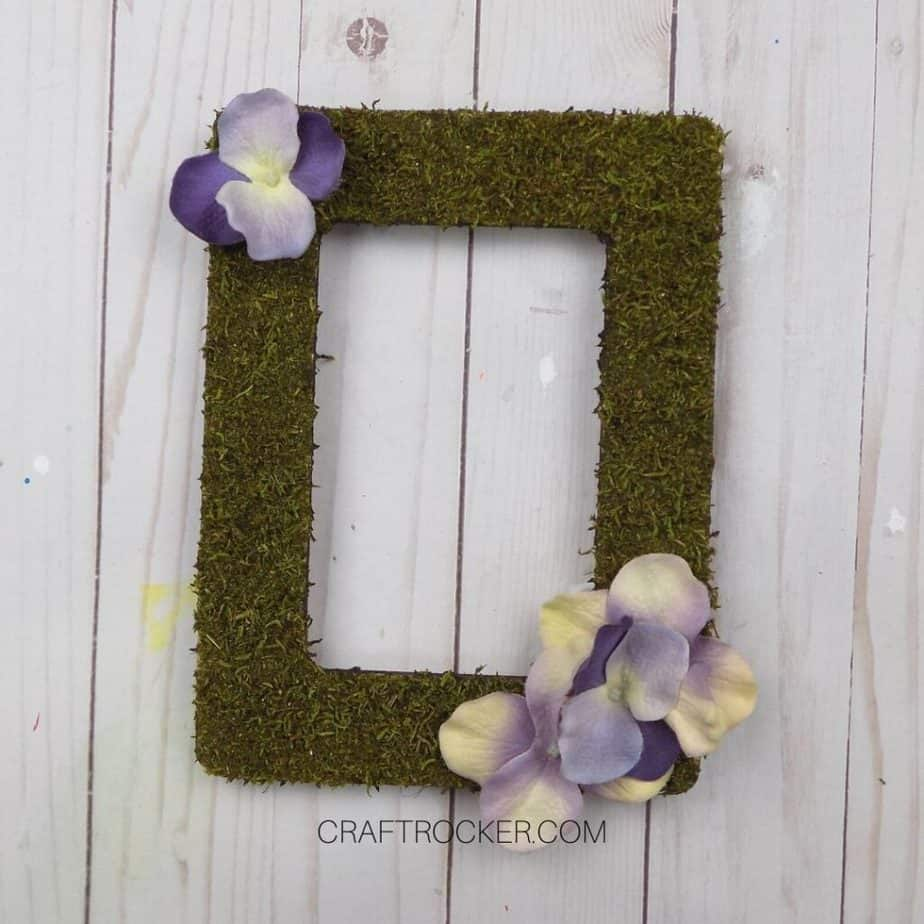 Flowers Glued to Bottom Right and Top Left Corners of Moss Frame - Craft Rocker