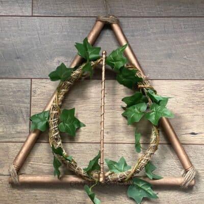 DIY Deathly Hallows Wreath