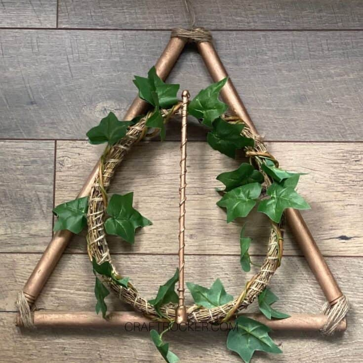 Copper Harry Potter Wreath on Wood Background - Craft Rocker